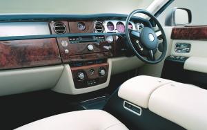 Rolls Royce Phantom dashboard