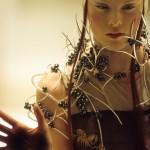 Tahitian pearl and silver neckpiece, Shaun Leane for Alexander McQueen, 2001, Credit Model, Karen Elson © Anthea Simms