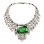 Necklace worn by Countess of Granard. Cartier London, special order, 1932. Platinum, diamonds, emerald; Height at center 8.8 cm. Cartier Collection. Photo: Nick Welsh, Cartier Collection © Cartier