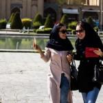 Esfahan school girls in Naghshe-Jahaan © Design Talks